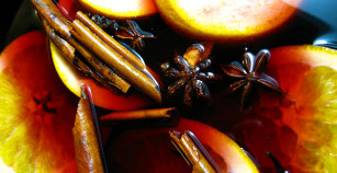 Mulled wine – To Warm Bitter Hearts and Cold Fingers.